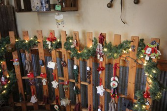 gift-shop-decorations